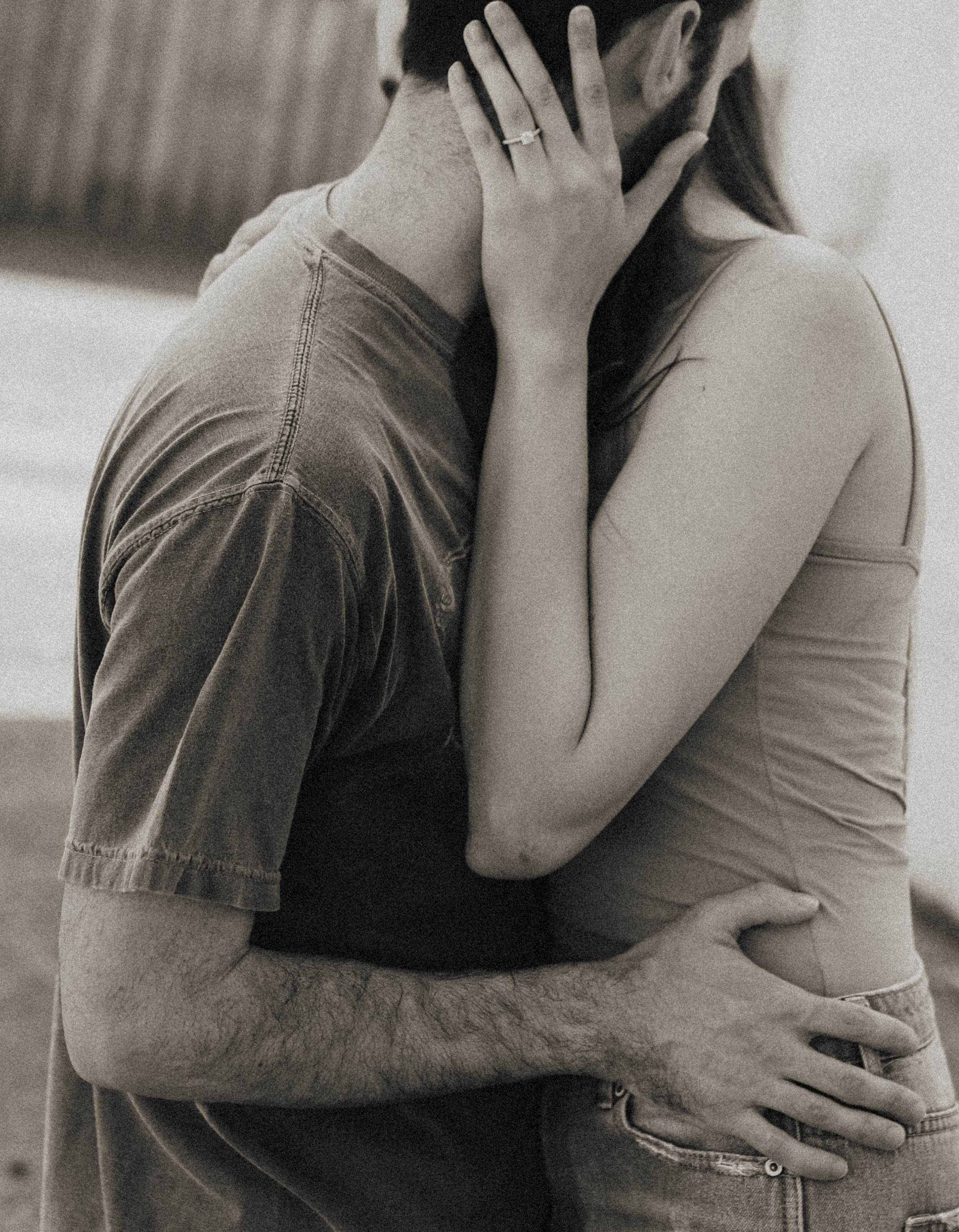 Intimate Engagement Photos | Melanie Zentmeyer | Central Florida Photographer