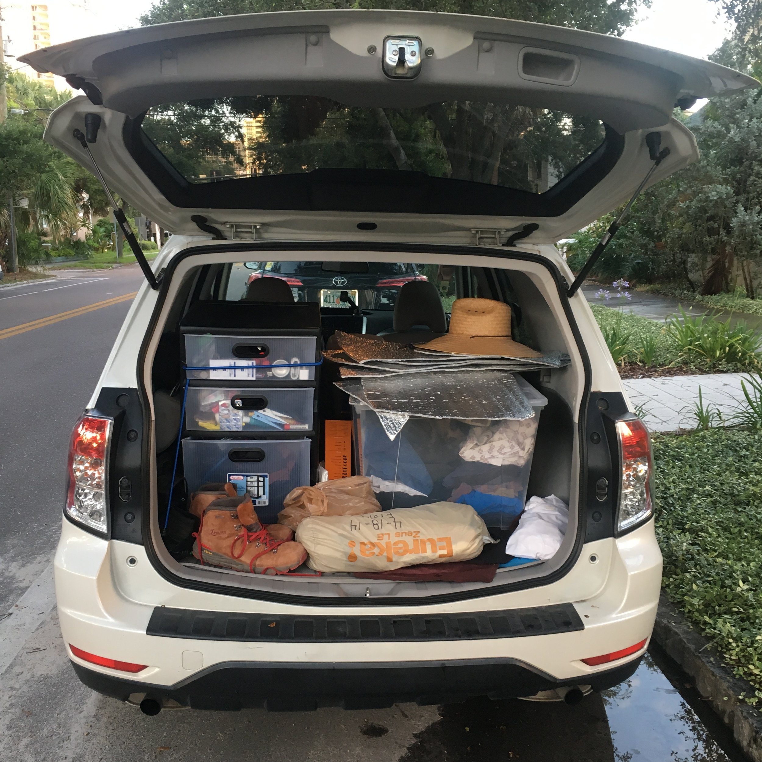 The car packed and ready on the morning of my departure.