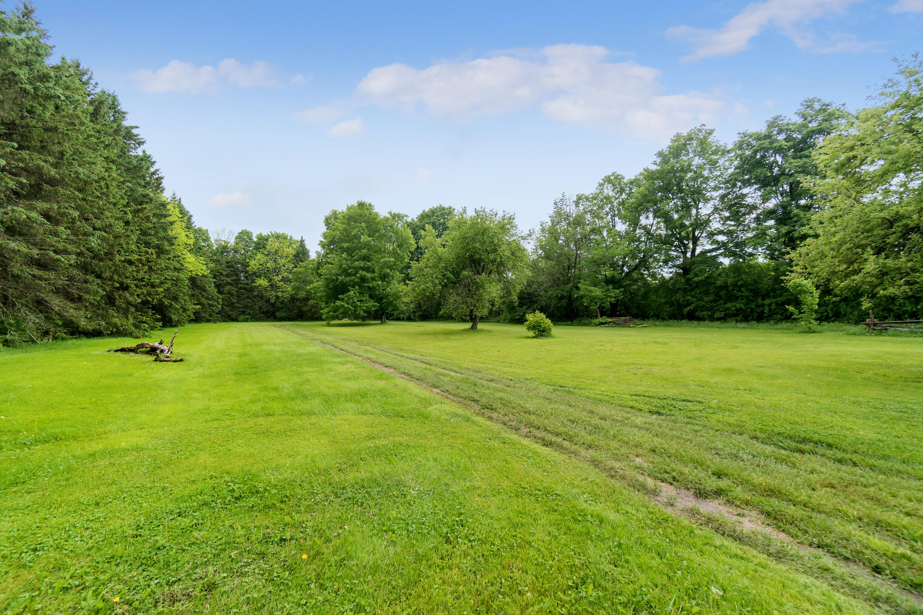 8761 Sideroad 17 Erin ON N0B-008-015-Property-MLS_Size.jpg