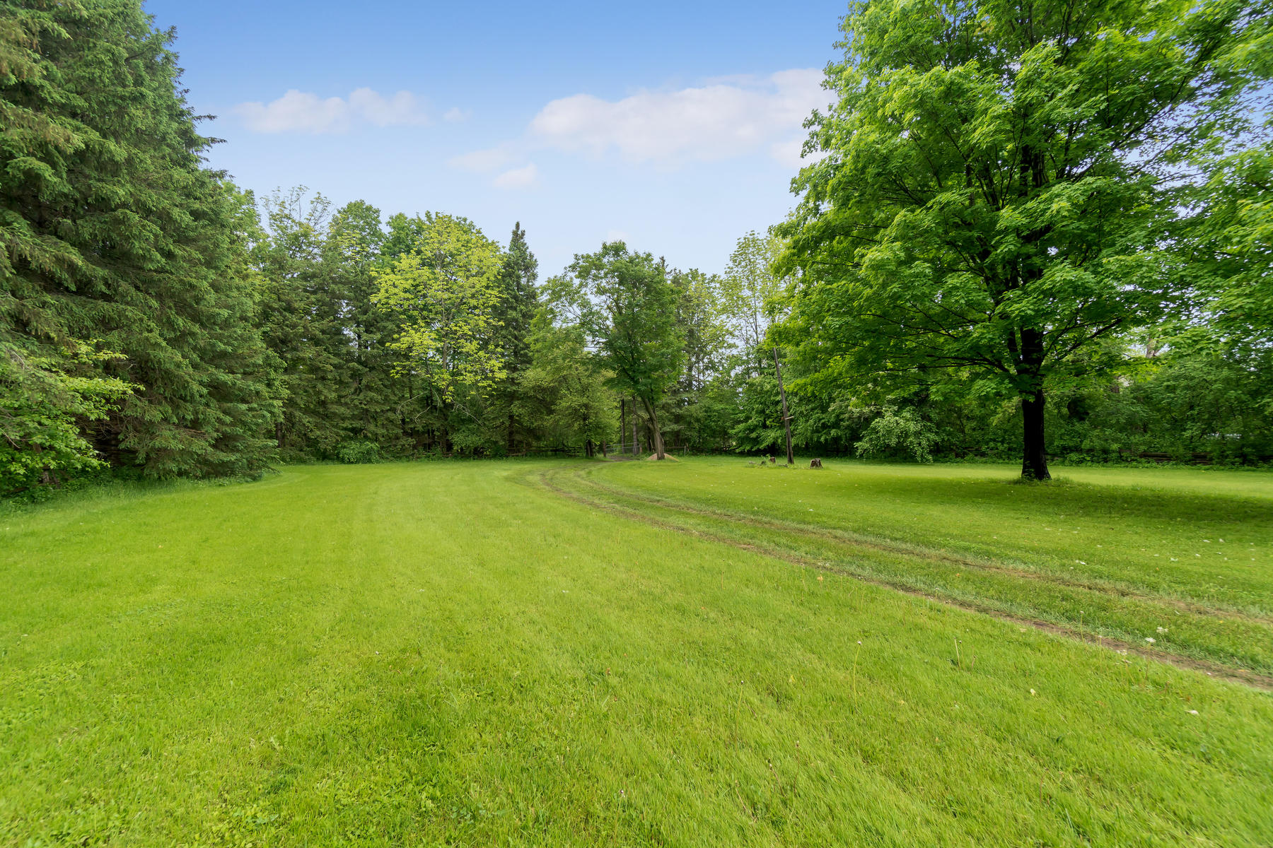 8761 Sideroad 17 Erin ON N0B-012-012-Property-MLS_Size.jpg
