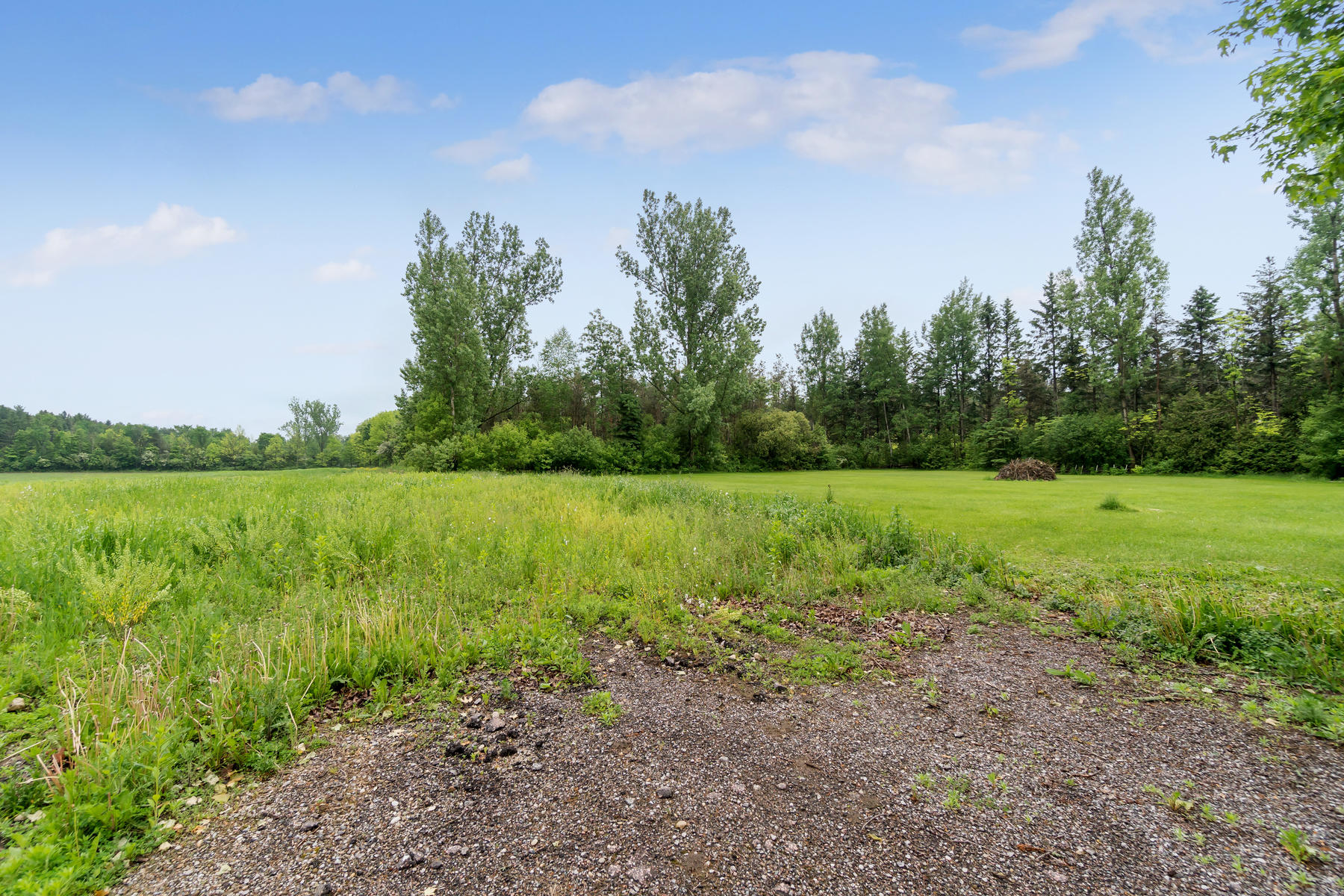 8761 Sideroad 17 Erin ON N0B-014-003-Property-MLS_Size.jpg