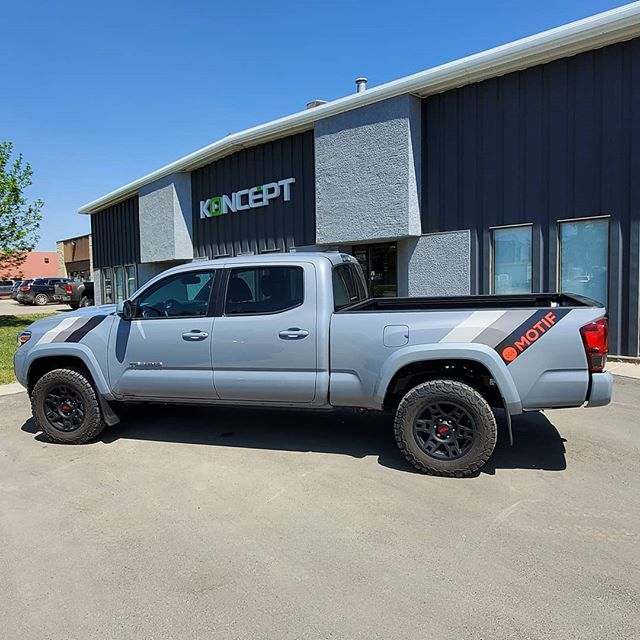 What a simple but captivating design.  Our friends at @motifmarketing wanted an modern look on their new Toyota Tacoma but also wanted the design to be a throwback to designs you saw on Toyota trucks in the 70's and 80's. This is going to be an eye catcher driving down the road!  Our installers are crushing hard on this truck!  #yxesigns #toyotatacoma #motif