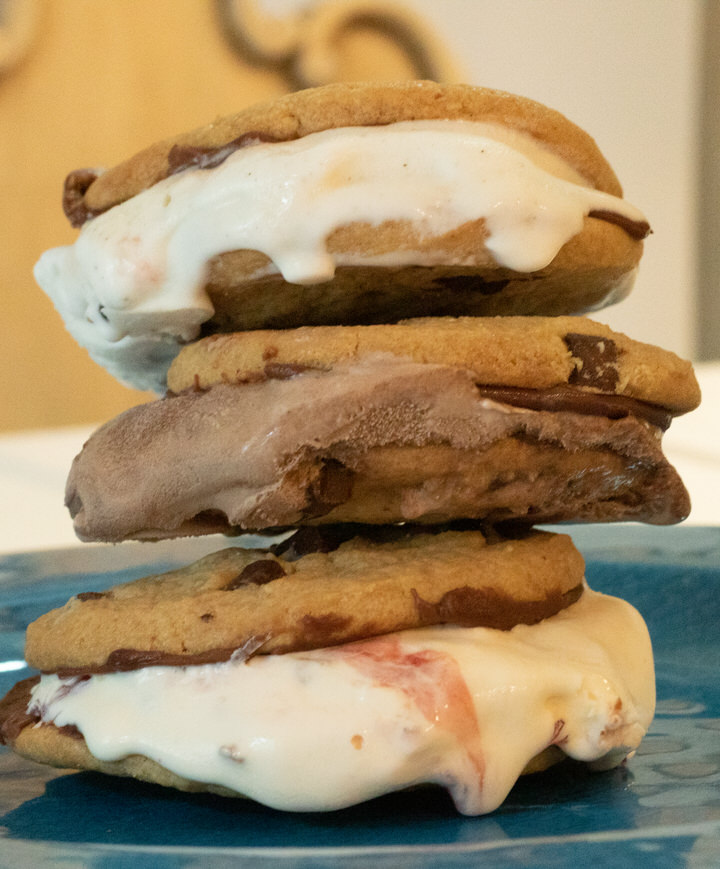Ice Cream Sandwiches with Chocolate Ganache