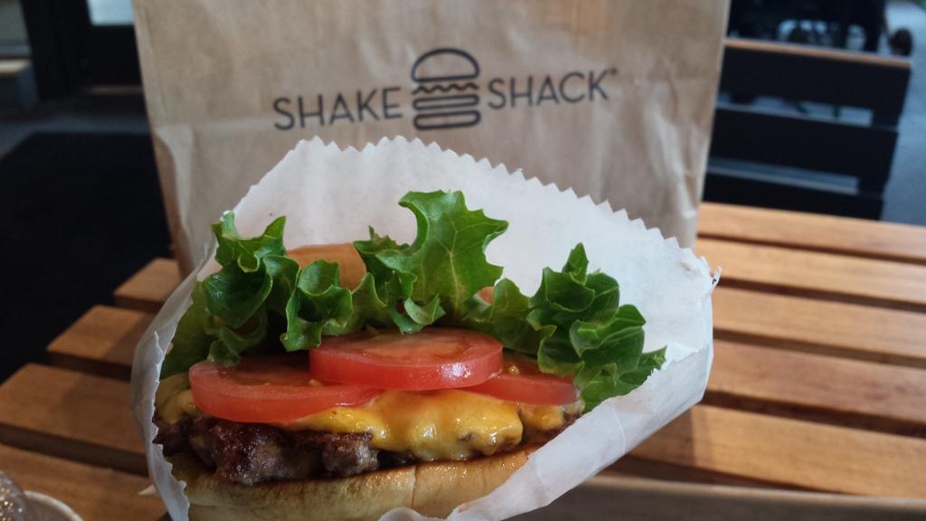Shake-Shack-Atlanta-The-City-Dweller-2.jpg