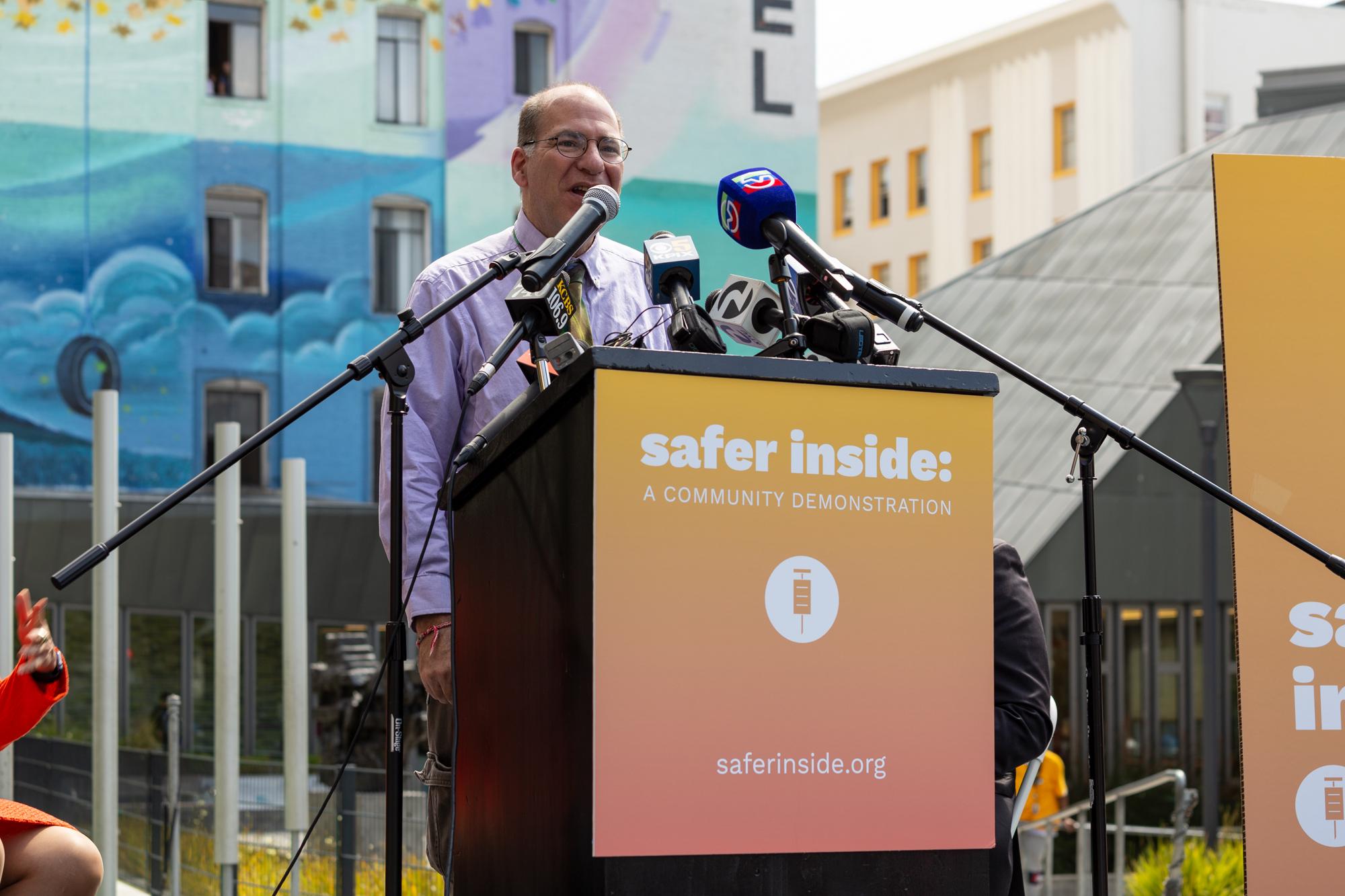 safer-inside-community-demonstration_43744418374_o.jpg