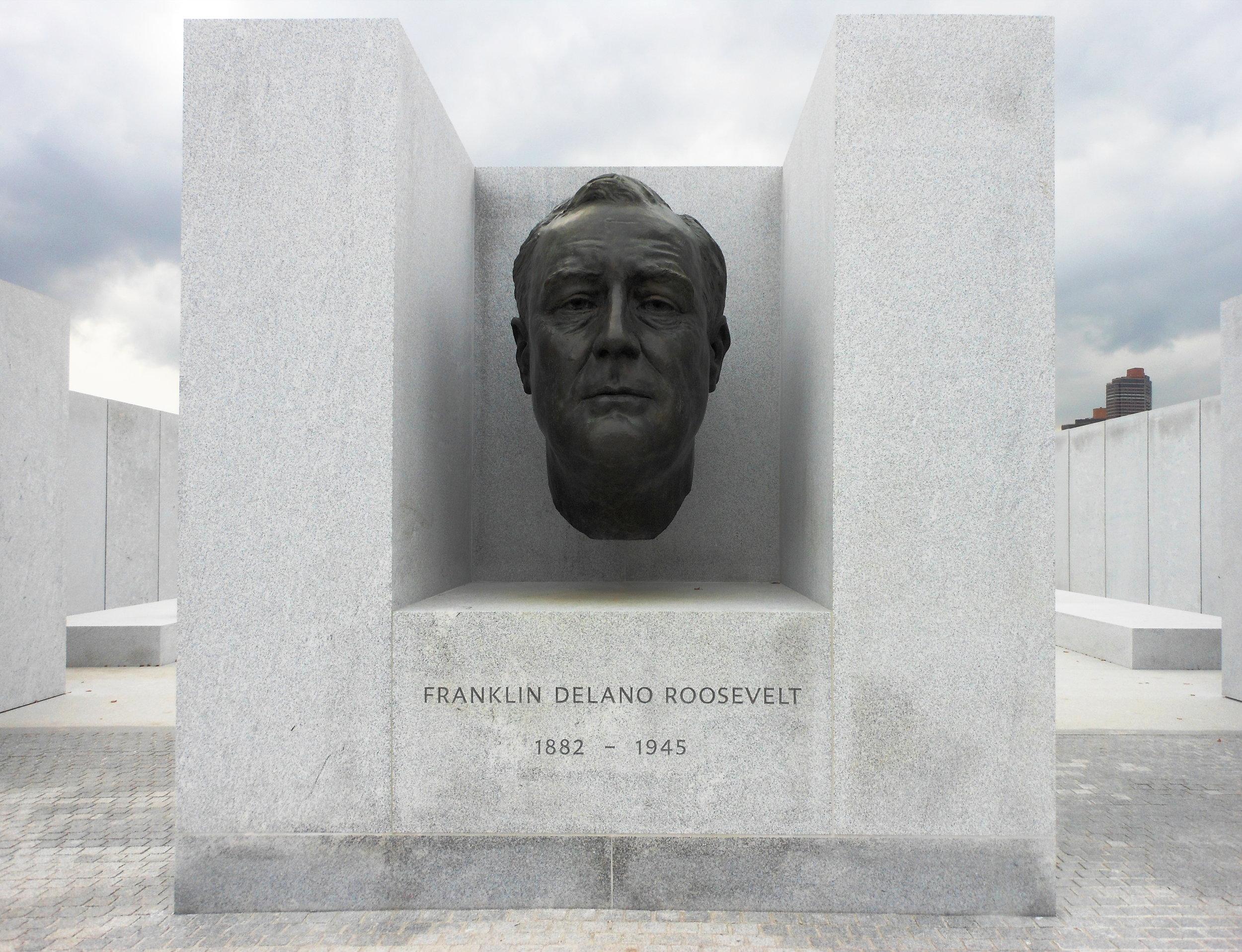 FDR_Statue_Roosevelt_Island.JPG