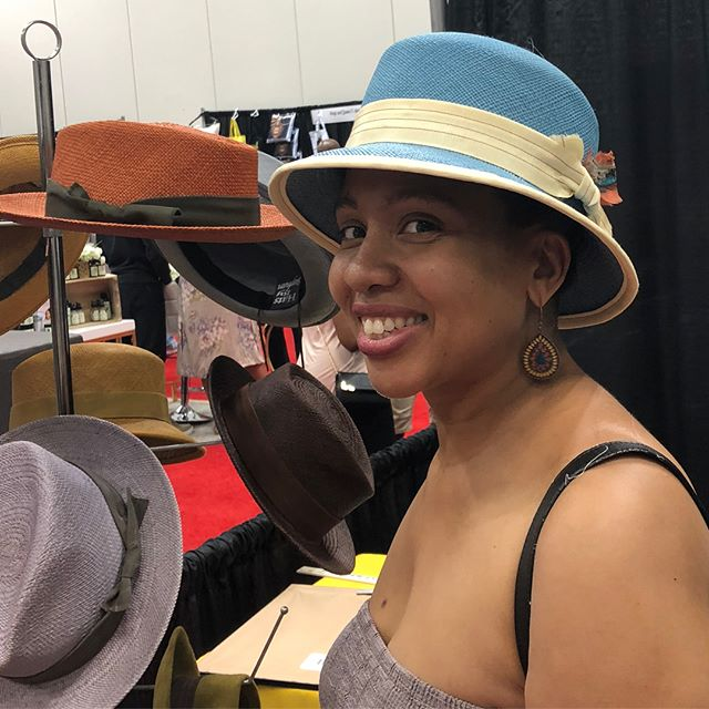 "SWIPE ⬅️... More happy 👒🧢customers + an even happier granddaughter😁, ""Great job, Paw Paw!!!"" ✨ @inblackexpoinc @teasmeindy #indianapolis #community #family #friends #business #shoplocal"