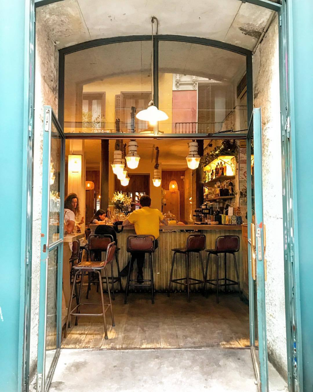 Aperitivo.  -  #spain #madrid #cafelife #design  (at Puerta del Sol Madrid)