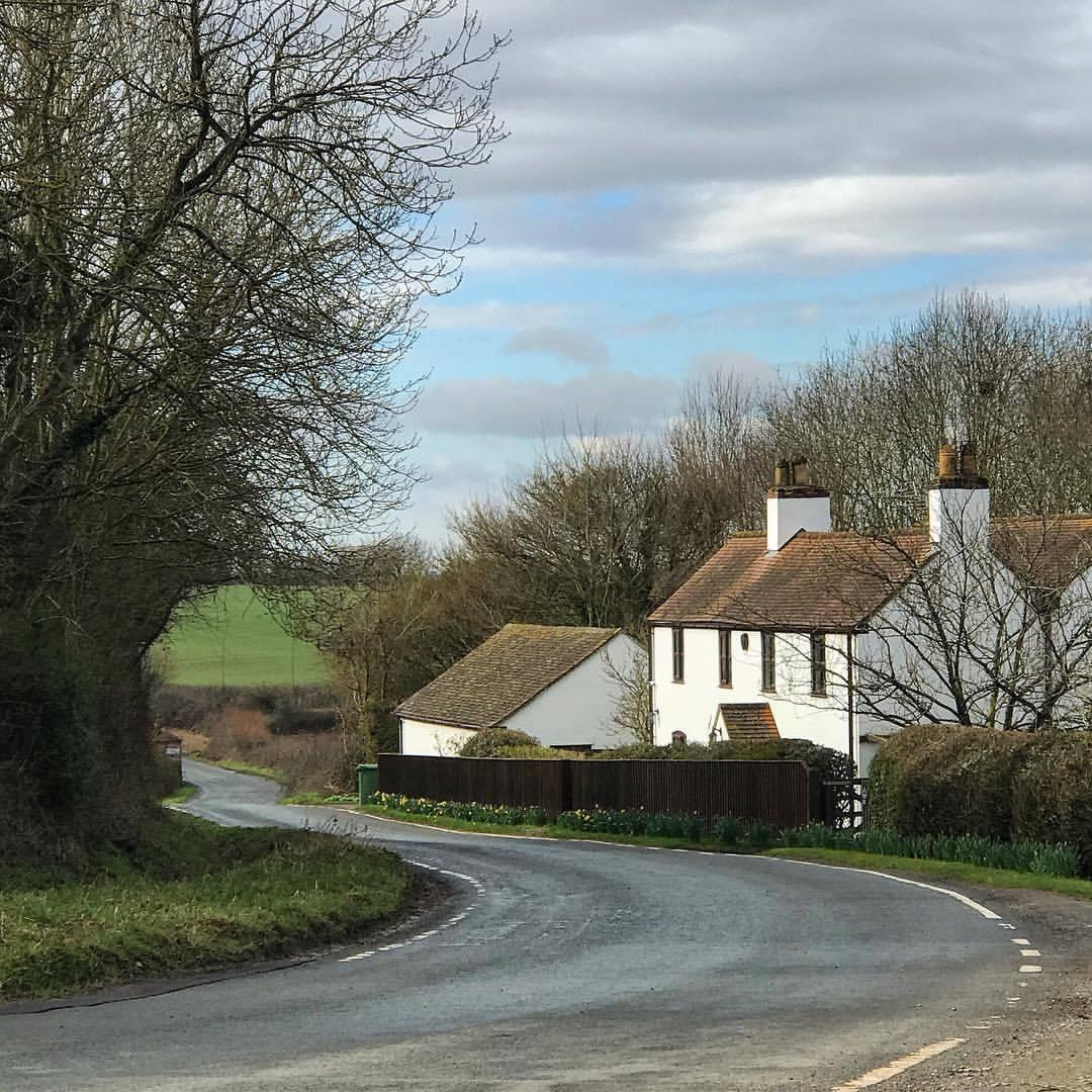 Backroads of the English countryside.  -  #unitedkingdom #england #gloustershire #falconry  (at Hardwicke, Gloucestershire, United Kingdom)