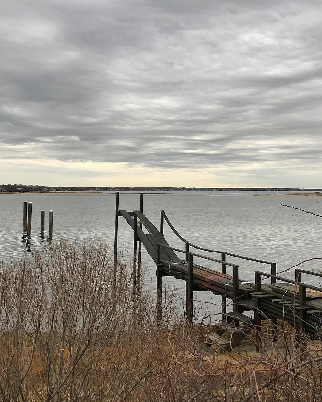 The cold hard gray of February.  -  #massachusetts #capecod #awaitingtheangels  (at Osterville, Massachusetts)