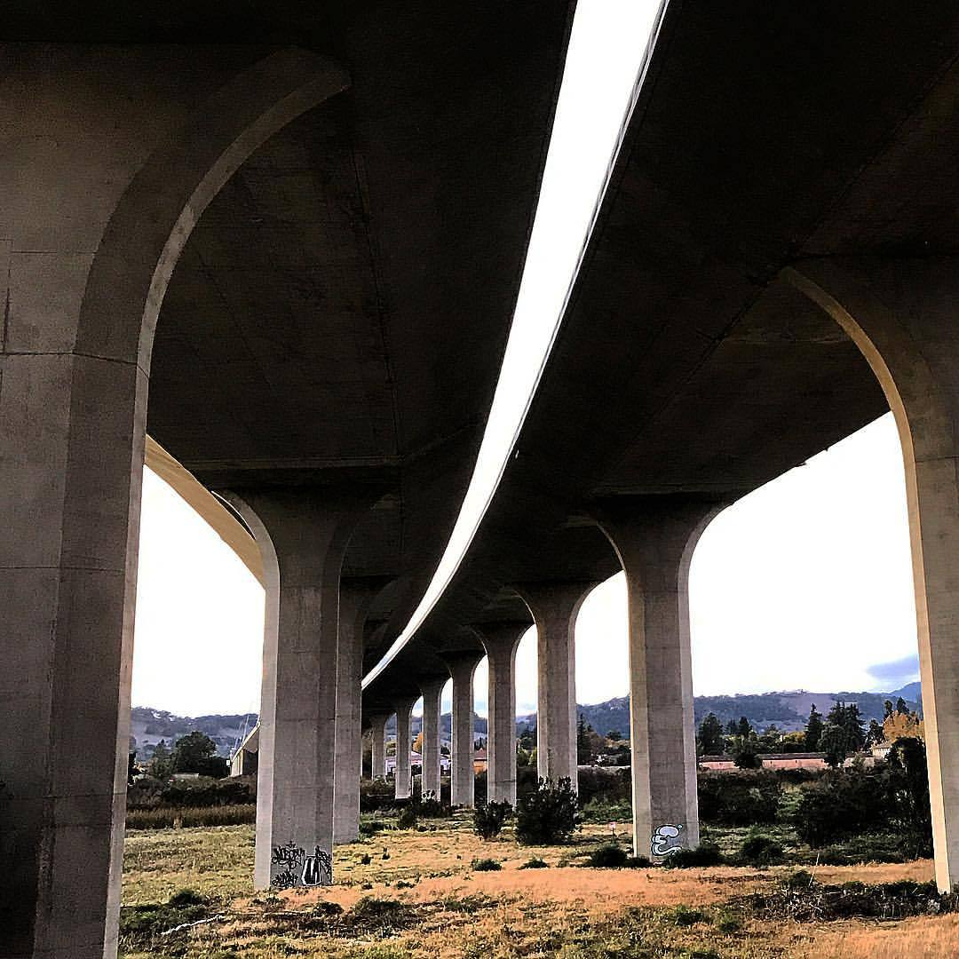 Ribbons of highway.  -  #california #infrastructure #eveningwalk  (at Napa River Trail)