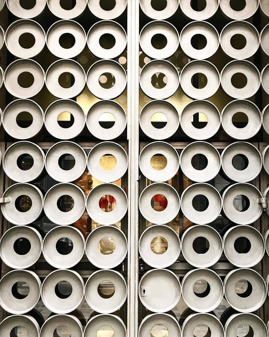 Door.  -  #italy #design #artineverydaylife  (at Milan, Italy)
