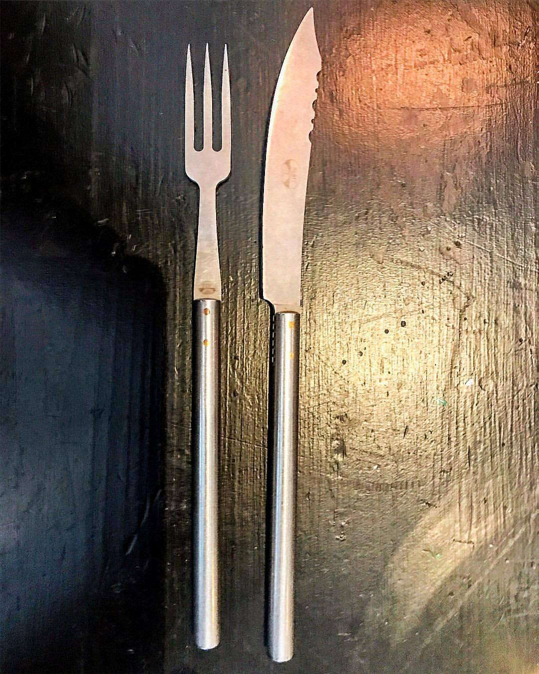 Fetching cutlery from the 1960s by Italian knifesmith Coltellerie Berti in Florence.  Since 1895, each knife is produced by the hands of one craftsman from beginning to end.  Hot.  -   #italy #knifesmith #berti #italiandesign #60sdesign  (at Locanda Chiaravalle - Altra Cucina)