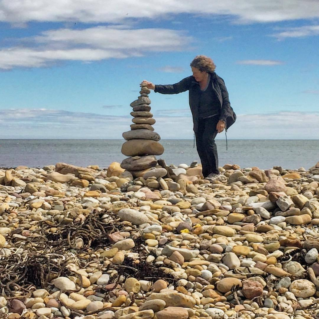 Mastery of stone sculpture on a rock-strewn beach amidst thousands of other masterpieces arranged by previous visitors.  #england #uk #northumberland #micromastery #walkingholiday  (at Lindisfarne, England, United Kingdom)