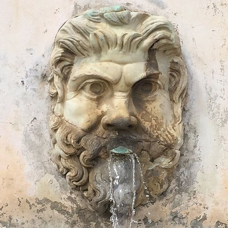 Fountain.  #italy #rome #vatican #art #vatican  (at Piazza San Pietro - Vaticano, Roma, Italia)