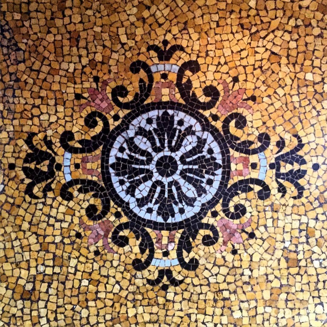 Late 18th century foyer.  #italy #torino #tiles #handmade  (at Turin, Italy)