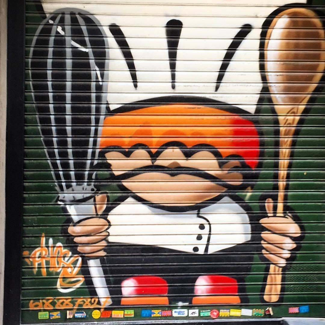 Si, Chef!  #spain #madrid #streetart #graffiti  (at El Retiro - Jardines del Buen Retiro de Madrid)