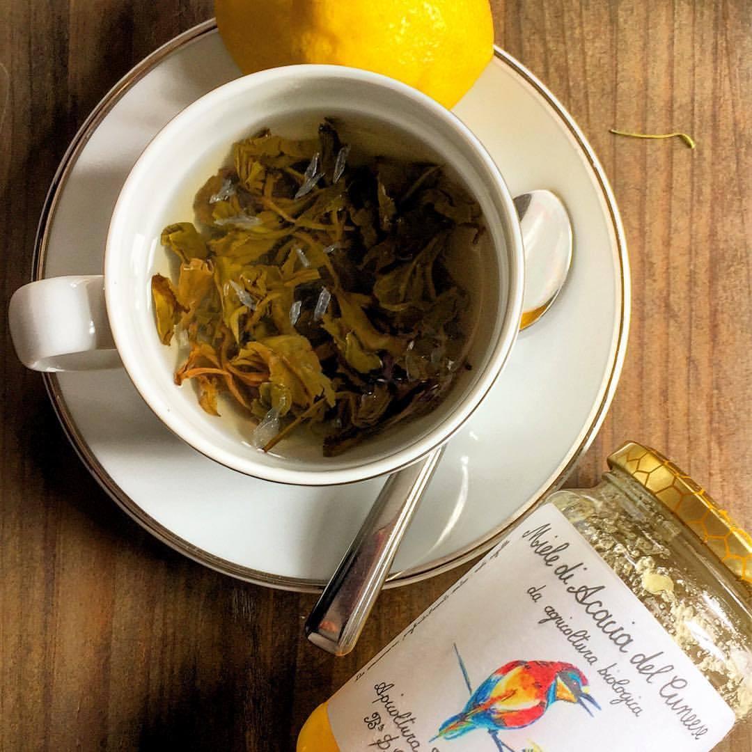 An improper cuppa.  #jasminepearltea #tea #leaveseverywhere  (at Madrid, Spain)