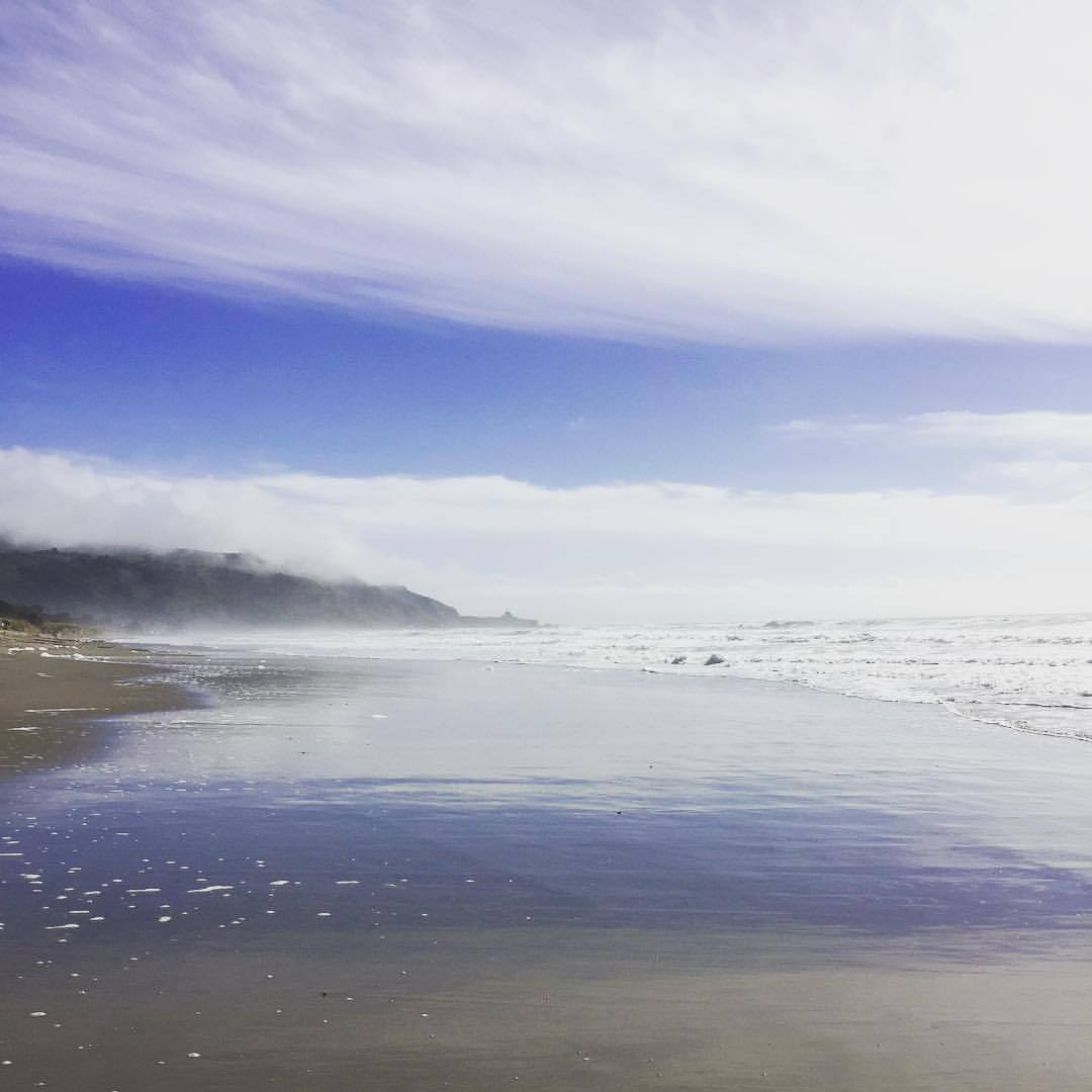 Late morning break in the fog.  #california #nature #worththewait  (at Stinson Beach, California)