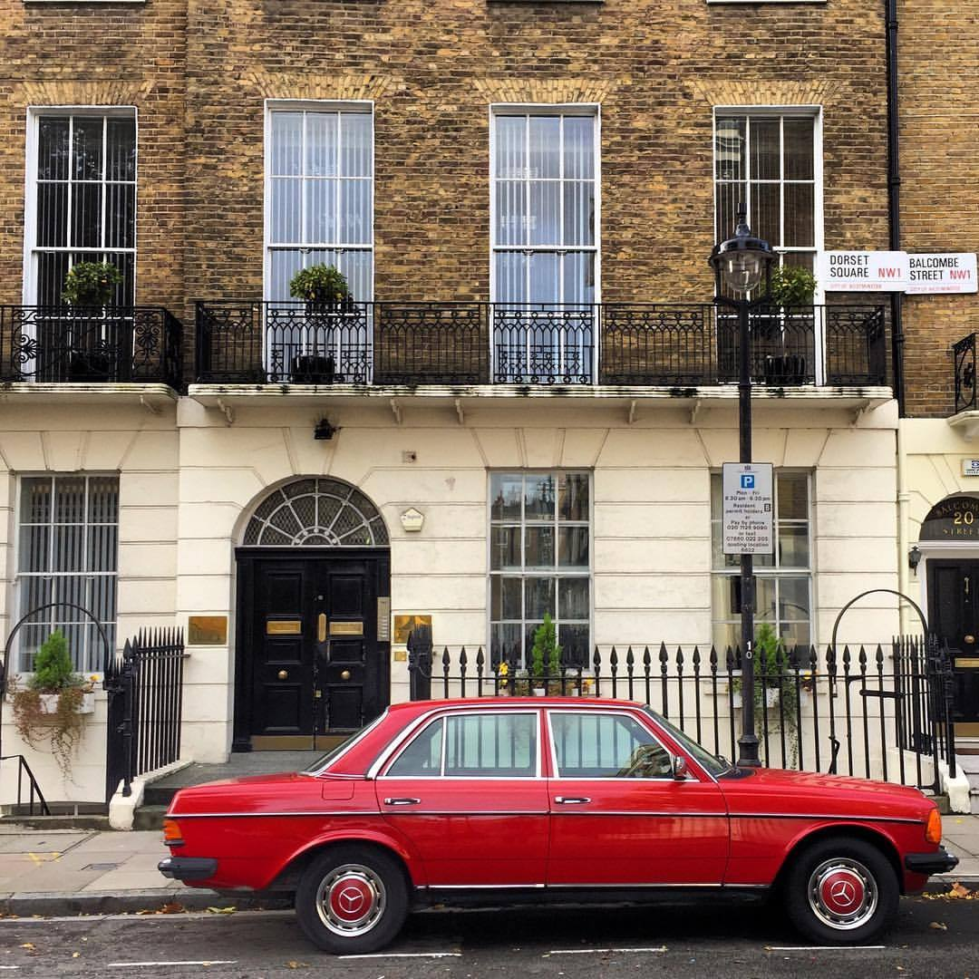 A blast of color on a gray day.  #england #london #vintagemercedes  (at Dorset Square, London)