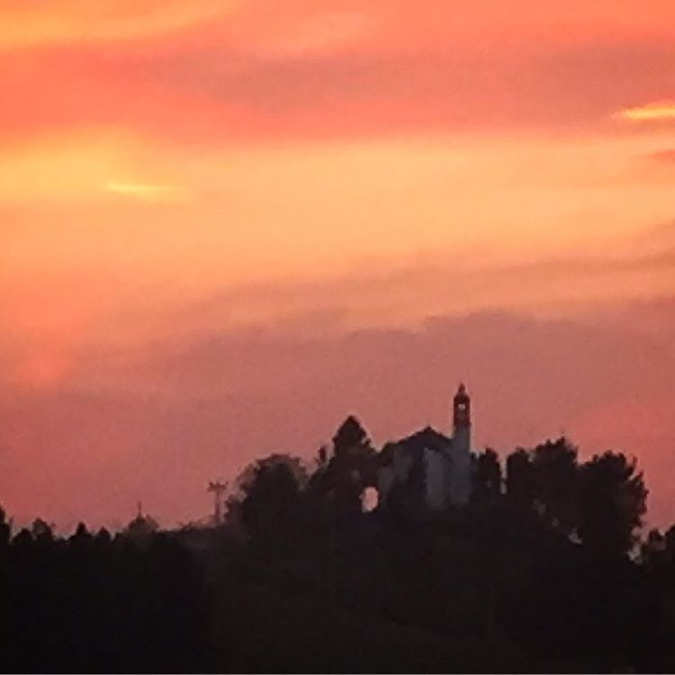 Sunset over St. Magdalena Church.  #italy #piedmont #autumn #nature  (at Santo Stefano Belbo)