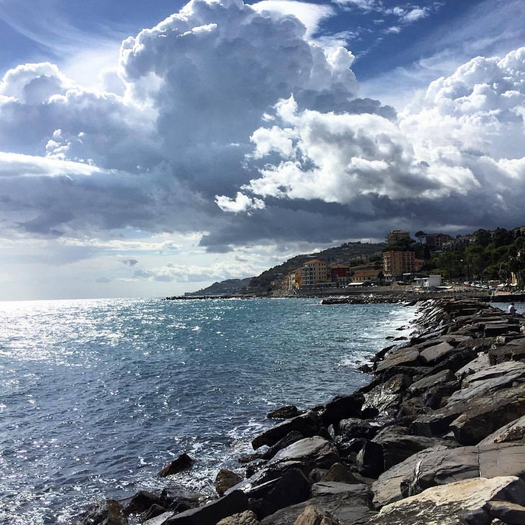 Sky over Ligurian Sea.  #italy #liguria  (at Porto di Imperia)