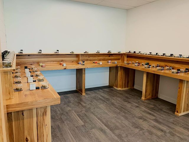 Upgraded💯💯 Come check out the new and improved flower room!🌿 50+ strains on display! #getdialed #sundialcollective #lyfedialed #cannabiscommunity #530cannabiscommunity #norcal
