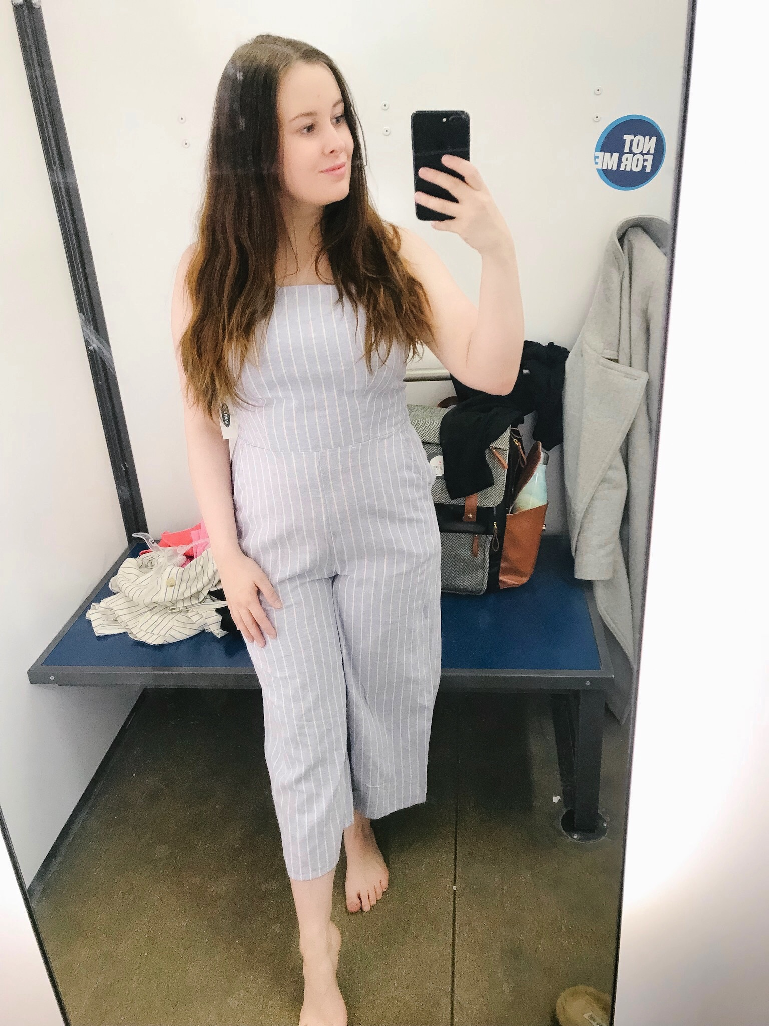 - I am OBSESSED with this jumpsuit. I am pretty short and it still fits perfectly. The material is a linen blend and so comfortable. It fits true to size, I am wearing a small.