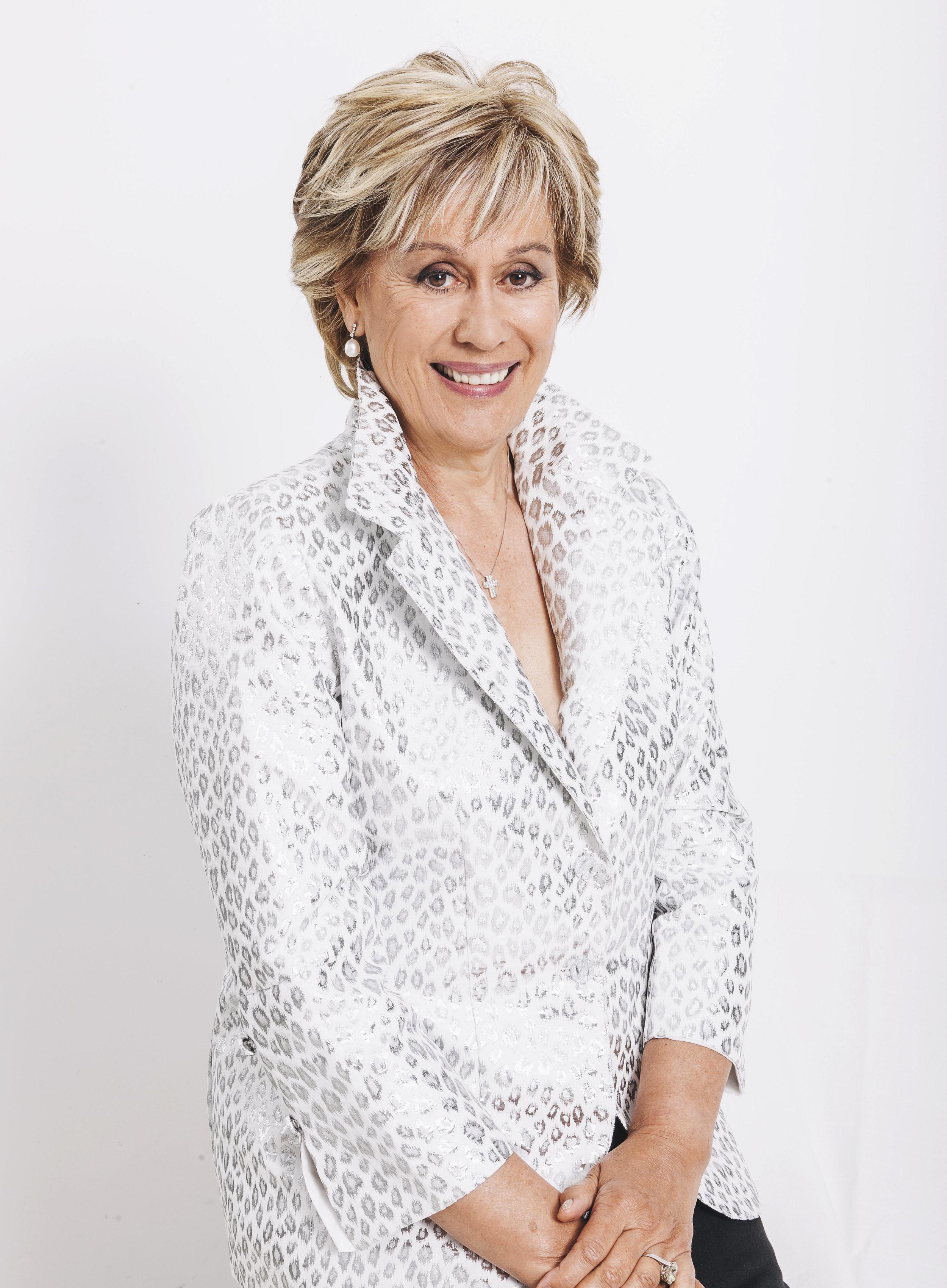 Dame Kiri Te Kanawa profile (002).jpg