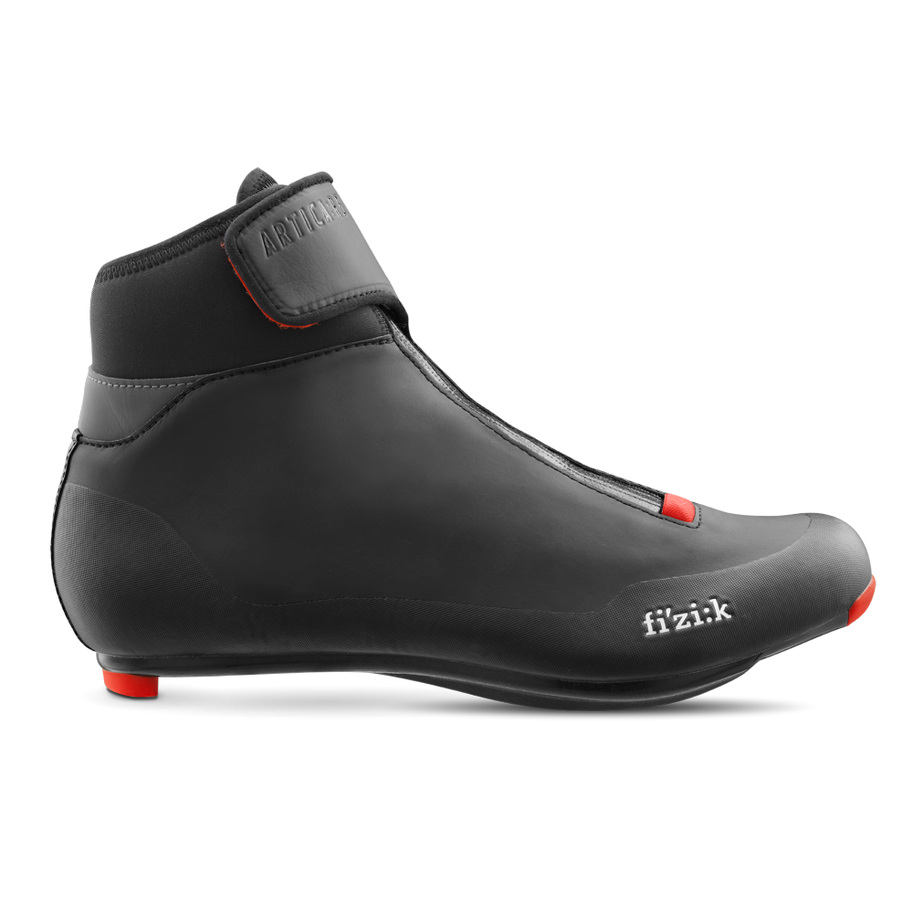 Artica R5 - Artica R5 is the perfect winter road cycling shoe for warmth, comfort, protection and performance riding in even the coldest, wettest conditions. Fully waterproof, easy to fit and featuring advanced insulation properties, Artica R5 beats the elements, yet is a lightweight and stiff high performance shoe.