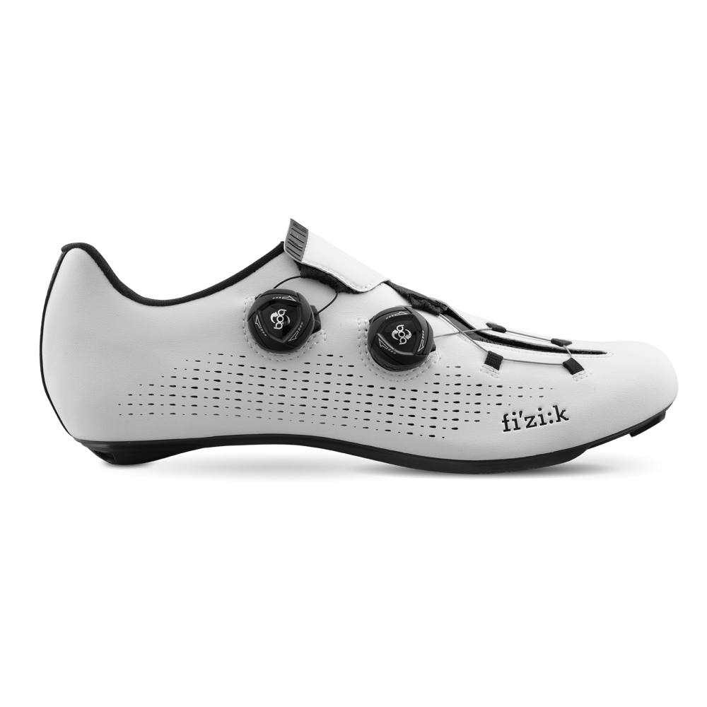 Infinito R1 - Perfectly fitting with class-leading comfort and unmatched power transfer, the Infinito R1 road cycling shoes deliver ultimate race performance. Infinito R1's new Infinito Closure System, superior stiffness, weight-saving materials and the intelligent implementation of new technology combine for the pinnacle of performance road shoe design.