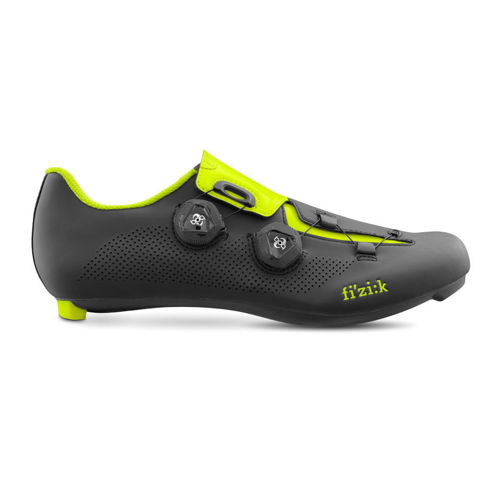 Aria R3 - The Aria R3 will fit any road-rider's foot thanks to the Enhanced Volume Control which uses two micro-adjustable Boa IP1-B dials running strong, light steel-coated nylon laces and lightweight plastic lace guides.