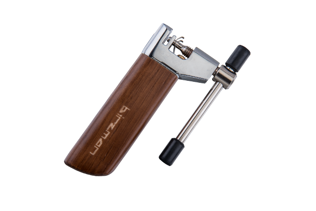 Light-Er - Varnished wooden handle ,Innovative spring secures the chain during breaking and makes it easy to drive the pin out accurately and easily.