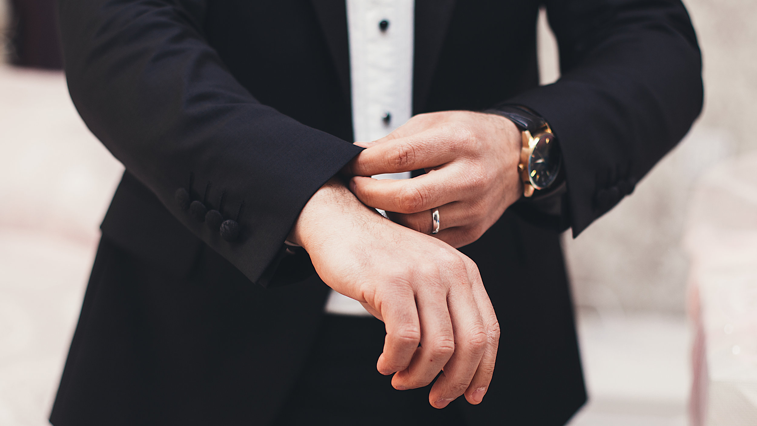 Formal Hire - Discover a comprehensive range of Mens evening wear for hire. For more details call us on 01352 752632.