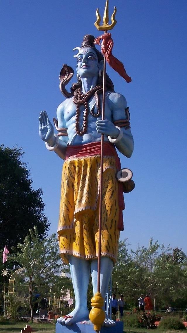 giant-statue-1420332-639x1440.jpg