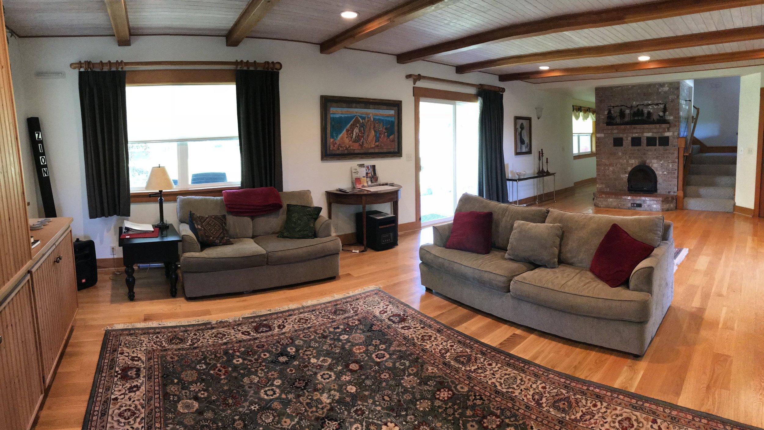Living Room (Main facility)
