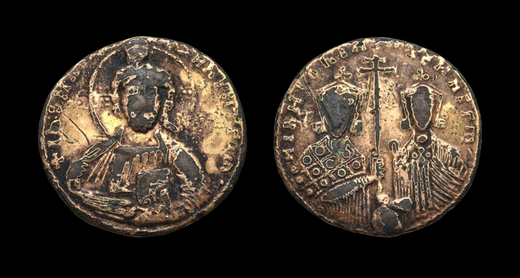 Nicephorus II. (963-969) w/ Basil II. Fourrée gold solidus. Obv: + IhS XΓS RЄX RЄGNANTIhM, Bust of Christ facing, with decorated nimbus, wearing pallium and colobium, raising r. hand in benediction and holding Book of Gospels in l. hand Rev. NICHFOR'CE bASIL' A•Ч• ÇÇ b R', Busts facing of Nicephorus II, with short beard, on l., wearing crown and loros, and Basil II, beardless on r., wearing crown and chlamys, holding long patriarchal cross between them. 2.87g 20mm