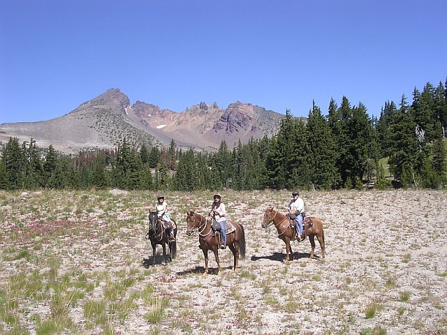 trail-ride-group.jpg