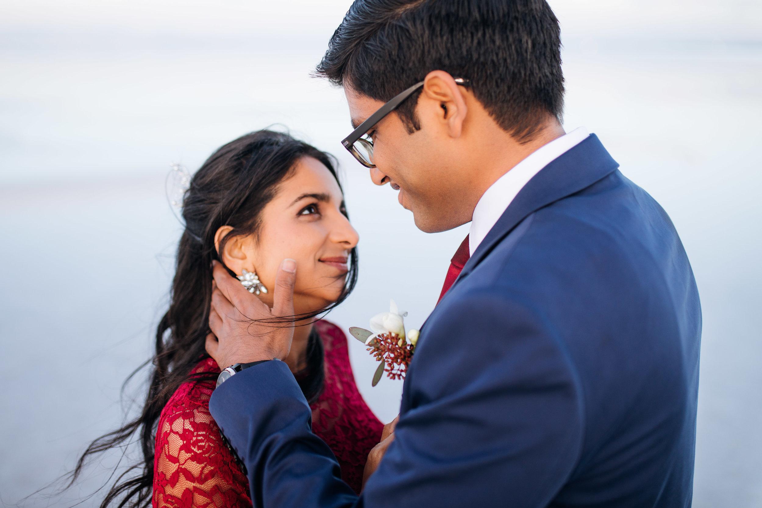 bonneville-salt-flats-engagement-couple-photos-destination-wedding-photography-20.jpg