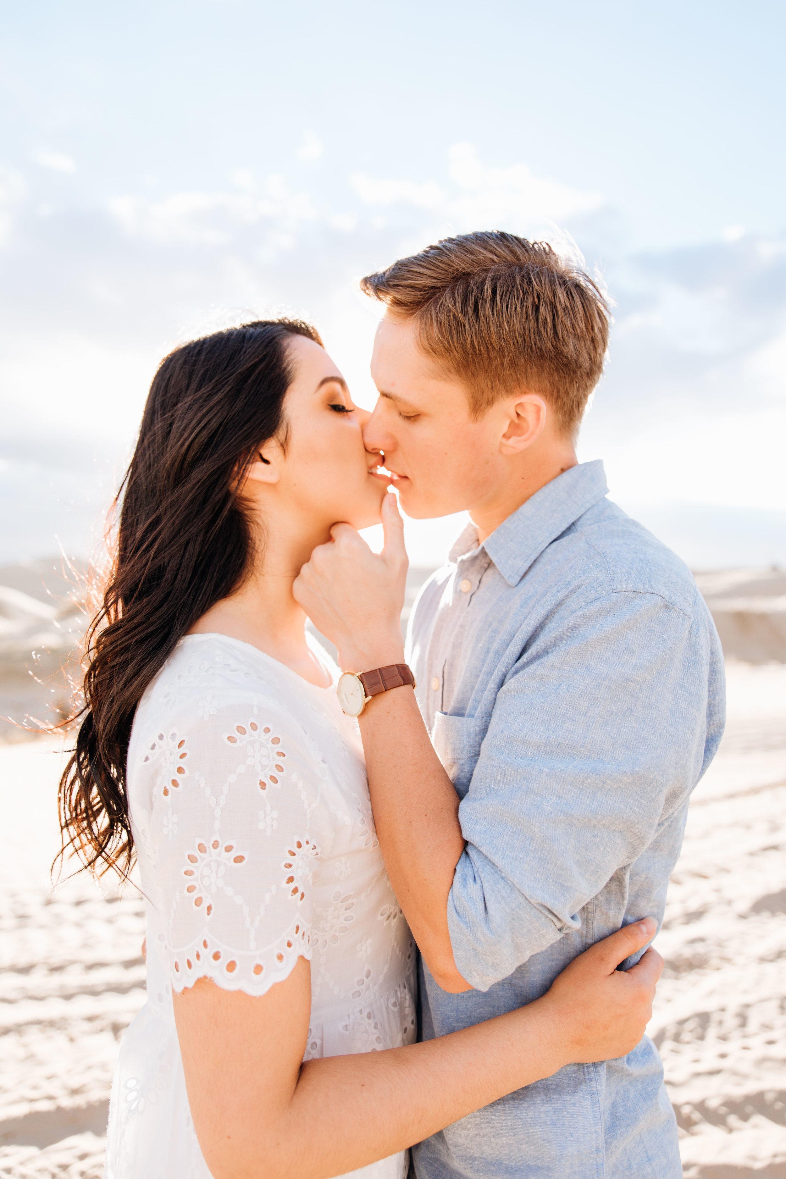 little-sahara-recreation-area-elopement-engagement-wedding-photography-michael-cozzens-52.jpg
