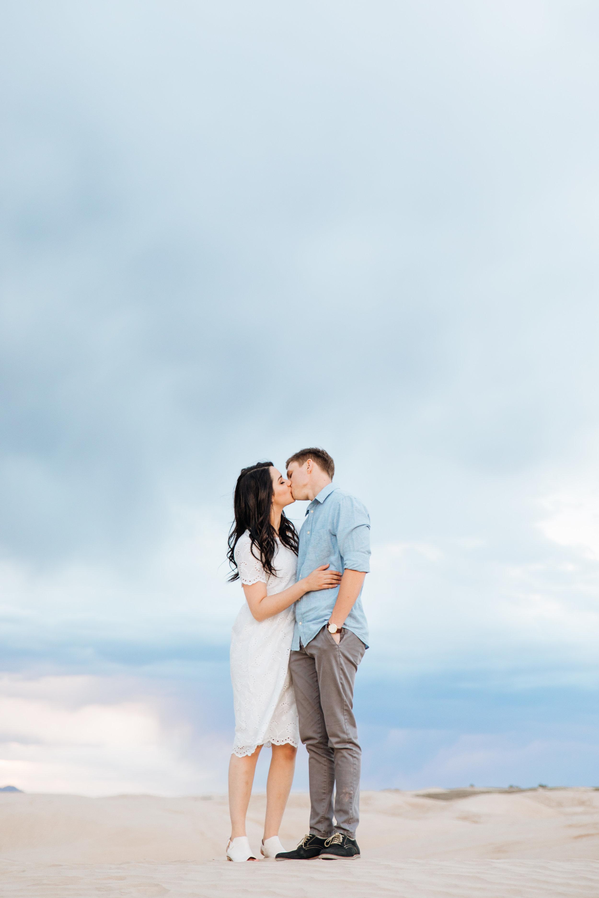 little-sahara-recreation-area-elopement-engagement-wedding-photography-michael-cozzens-85.jpg