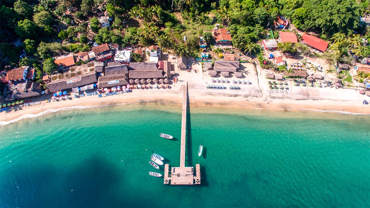 beach-day-villas-michael-cozzens