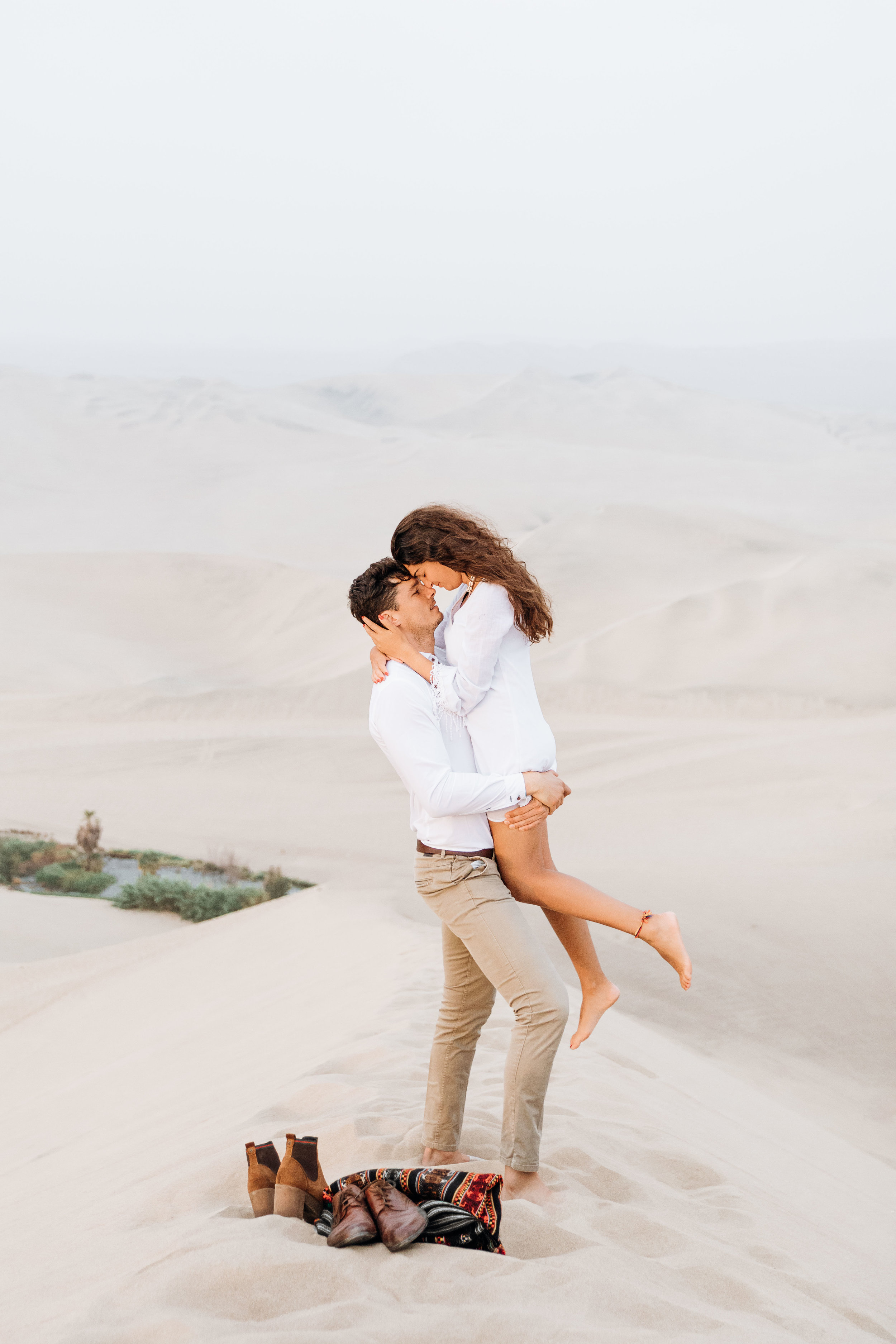 huacachina-peru-honeymoon-elopement-destination-wedding-photography-michael-cozzens-9.jpg