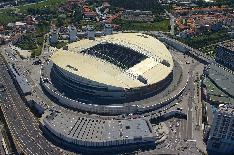 Estadio do Dragao. Photo author:  CaGeRaGe .  License link .