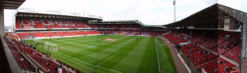 The City Ground. Photo author:  Nffcchris  at  English Wikipedia .  License link .