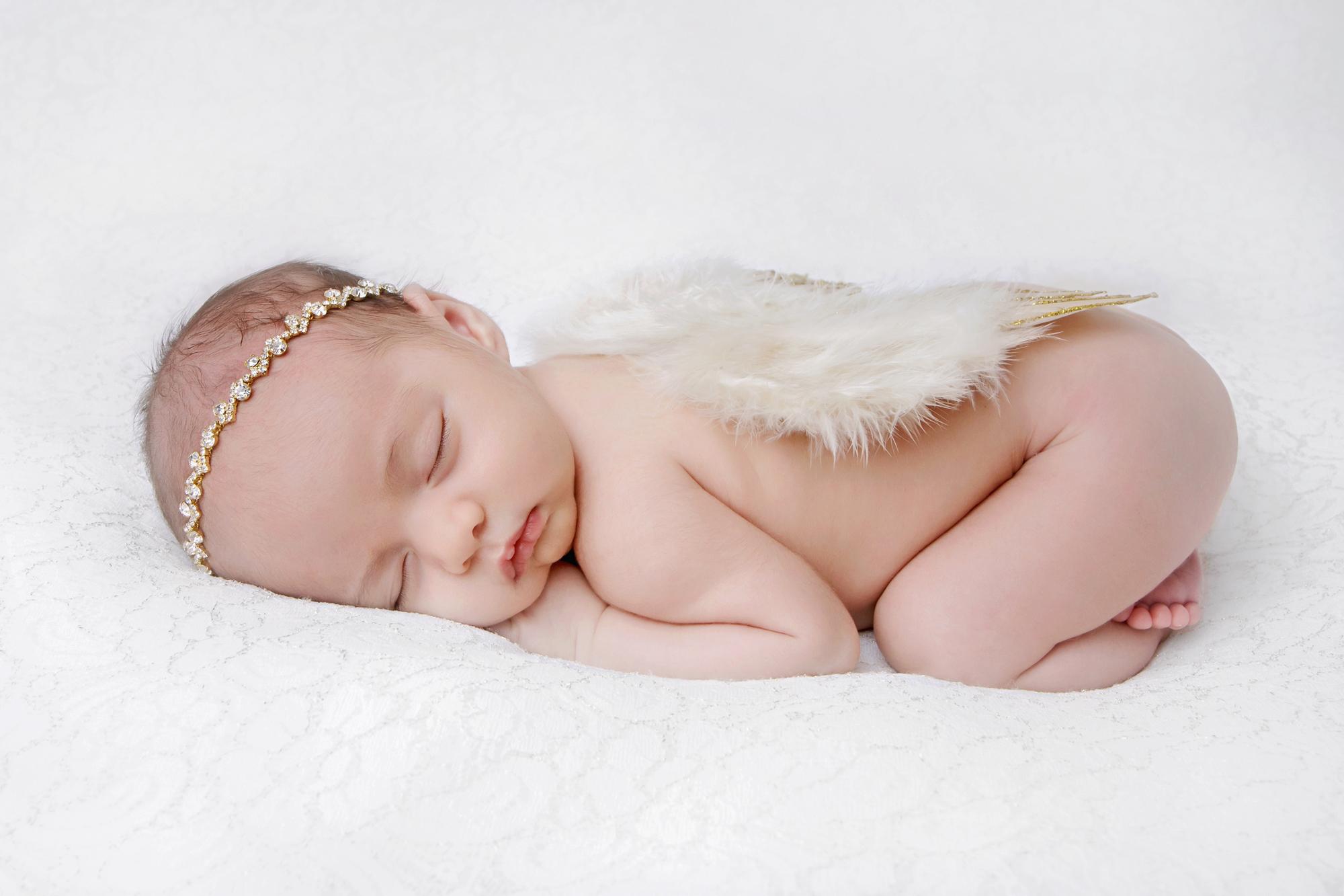 Newborn Girl Angel Wings.jpg
