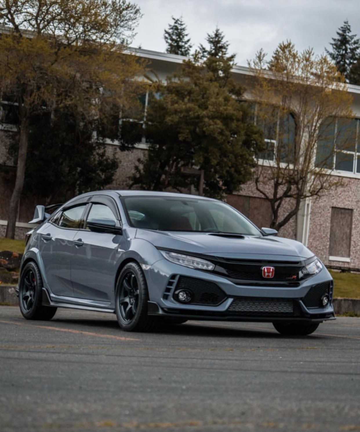 Rays Gramlights 57DR in Gun Blue II shown on our customer's FK8 Civic Type R (Sonic Grey) - 18x9.5 +38 5x120