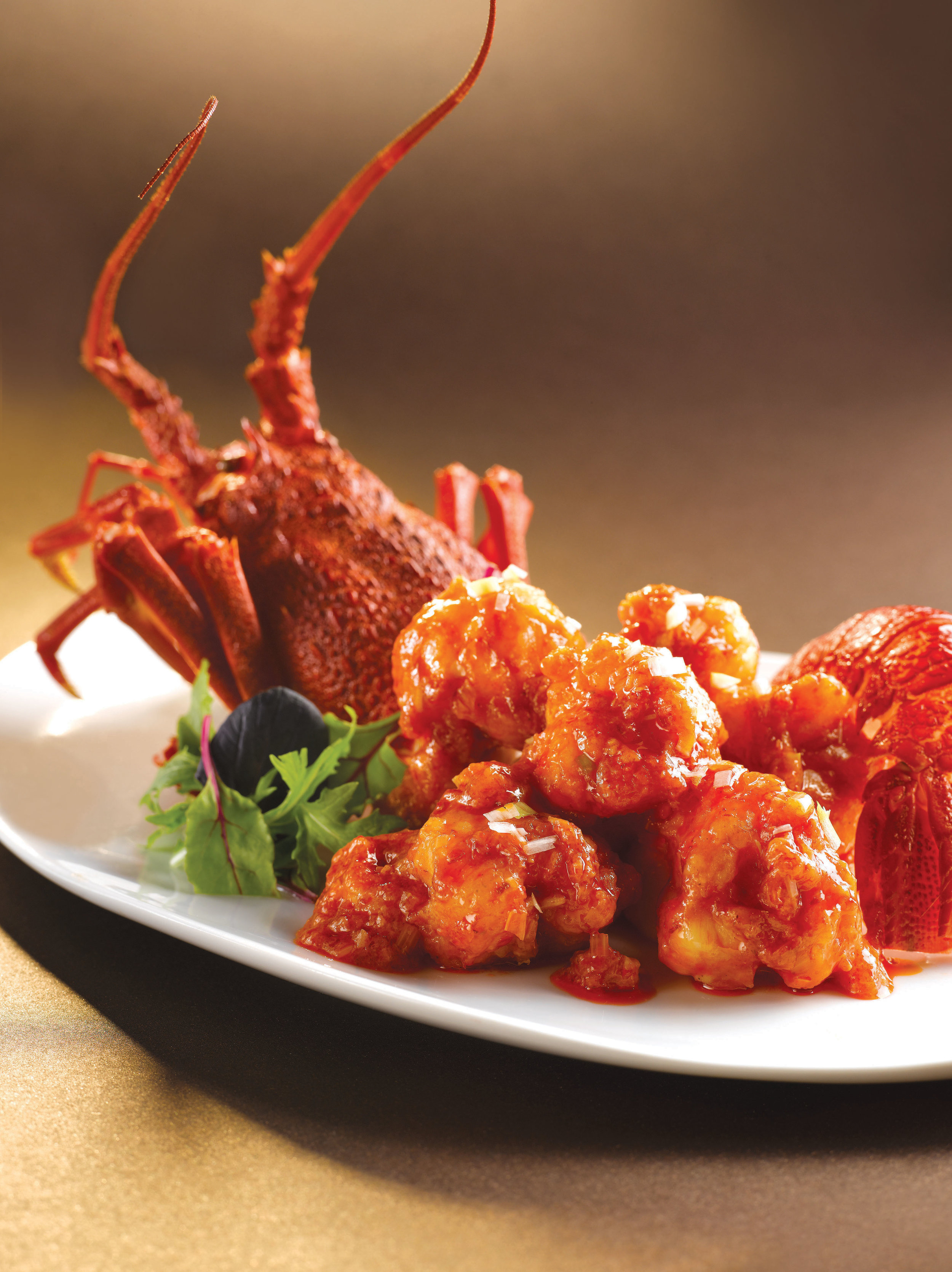 Stir-fried Whole Live Lobster with Chilli Sauce
