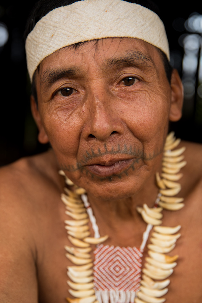 Jorge Shabac, chief of Buen Peru village and master 'uesnid canite' maker.