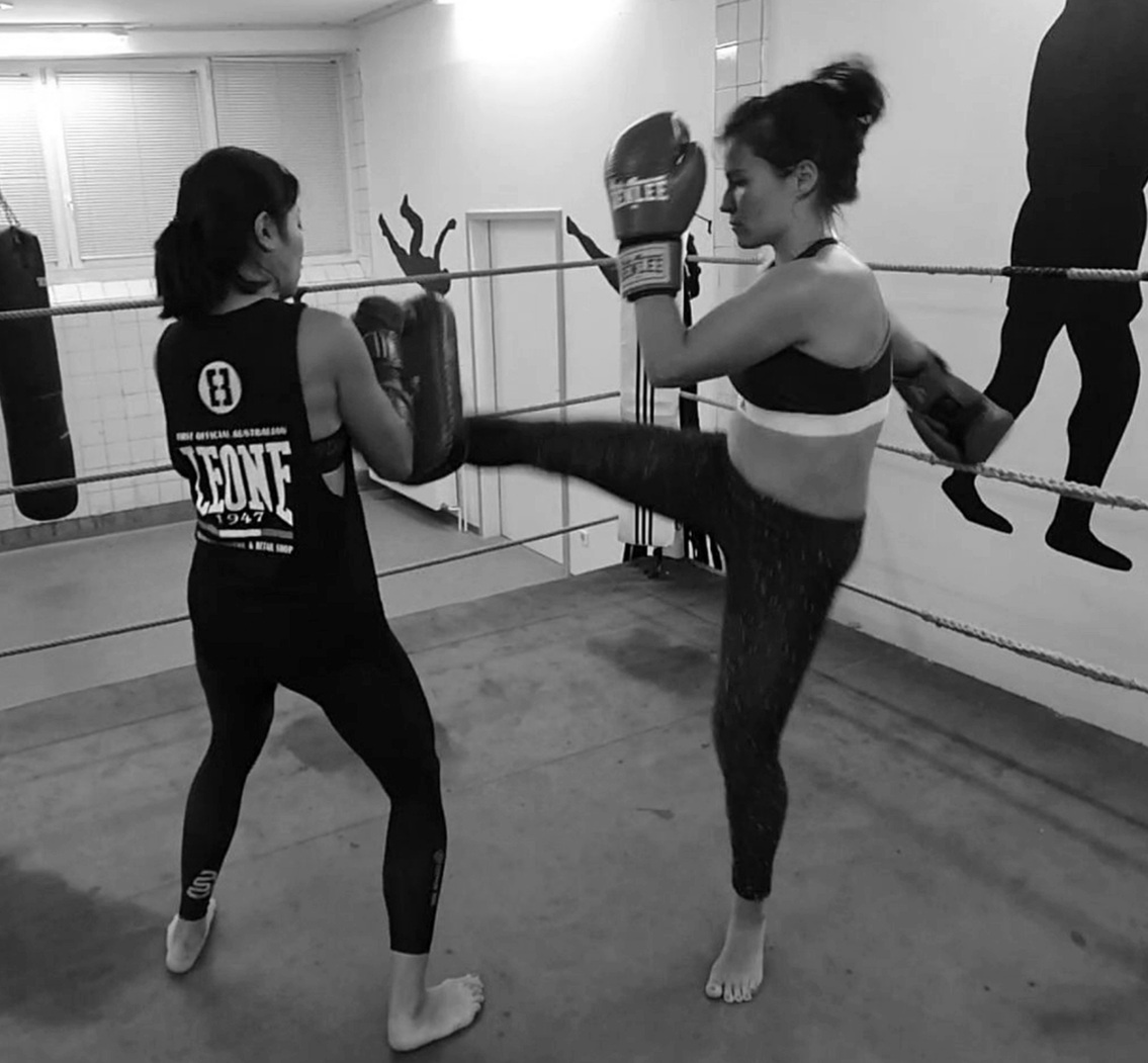 Two kickboxing girls in a ring at Five Circles Berlin